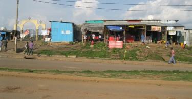 La via principale dello slum